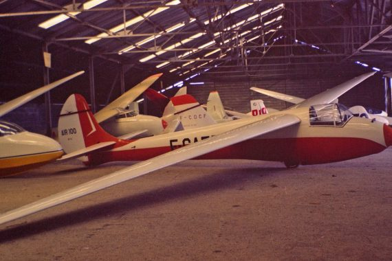 Air-100 F-CAET Duration record setting glider